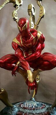Amazing Iron Spiderman Premium Format statue 1/4 custom Hulk + Sideshow Book