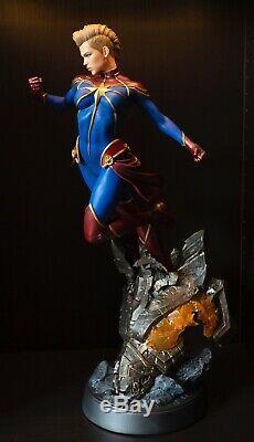Captain Marvel Sideshow Premium Format Figure Statue Marvel Avengers Low Ed #86