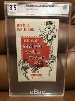 MARVEL VALUE STAMP BOOK SIGNED STAN LEE 1974 (Hulk 181 killer) (LOOK)