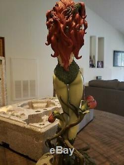 Sideshow Exclusive Poison Ivy Premium Format Figure DC Comics Statue #281/2500