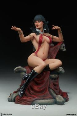 Sideshow VAMPIRELLA Statue Dynamite Comics Terry Dodson