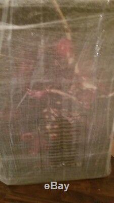 Sideshow premium format Iron Spider statue 386/1250